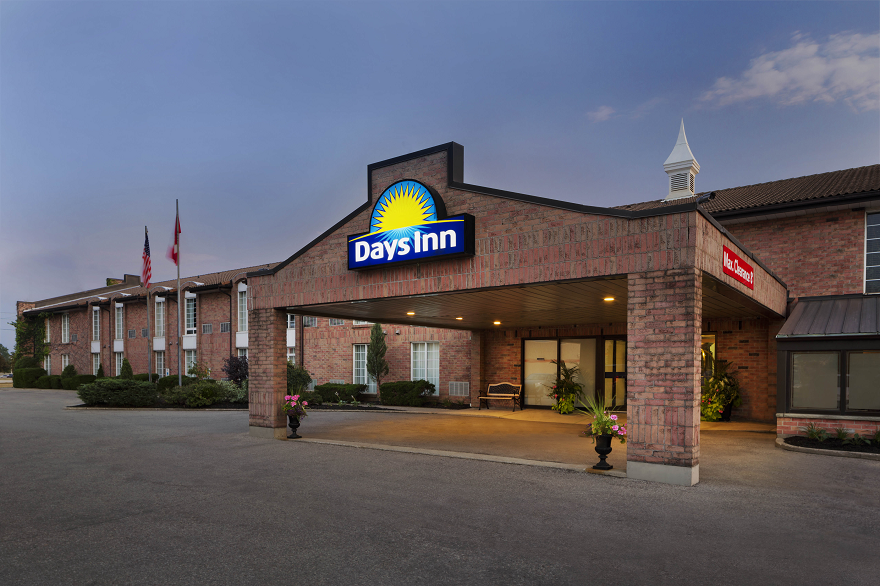 Days Inn Exterior.png