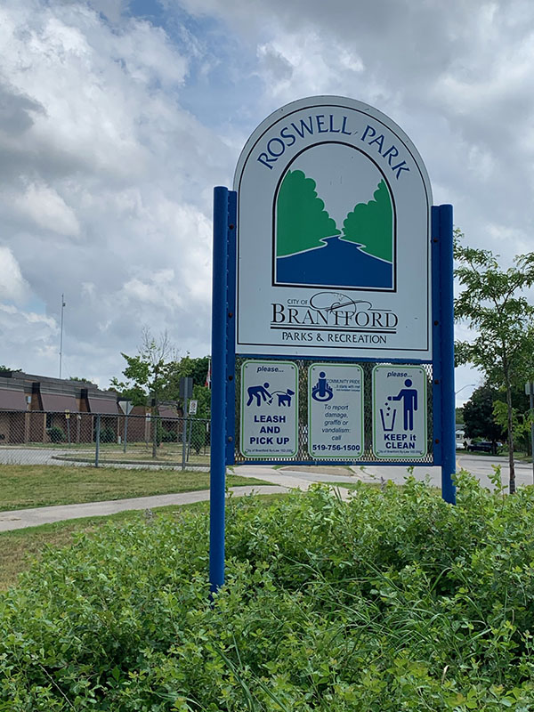 1 Roswell Sign.jpg