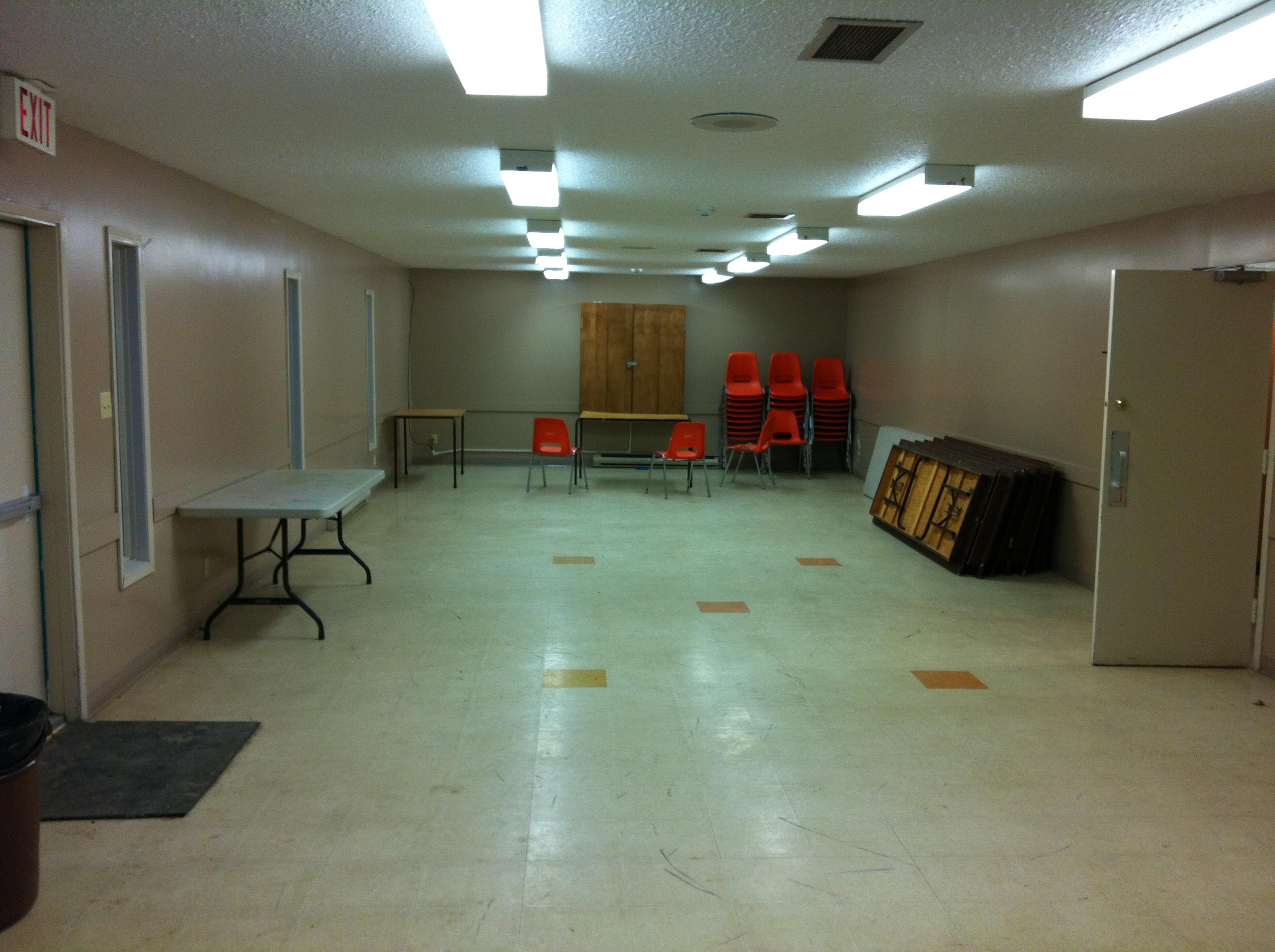 WH oldtimers rm indoor rink1 .JPG