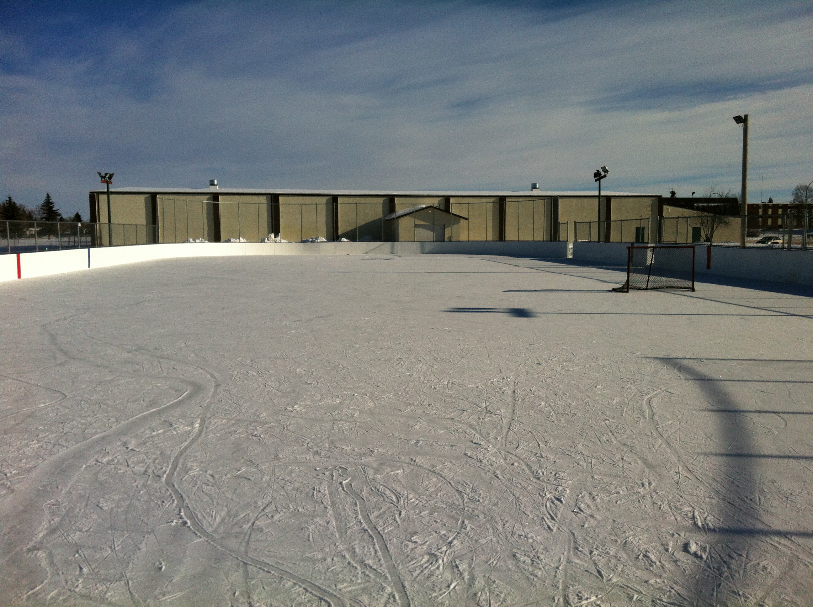 Cres Hts new outdoor rink 2010 (6).JPG