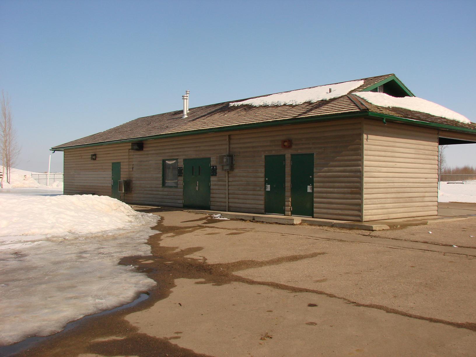 Crescent Acres skating warmup facility.JPG