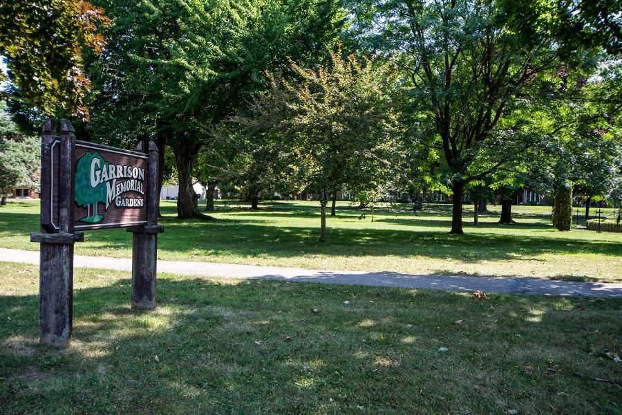 sign resize memorial garden.jpg