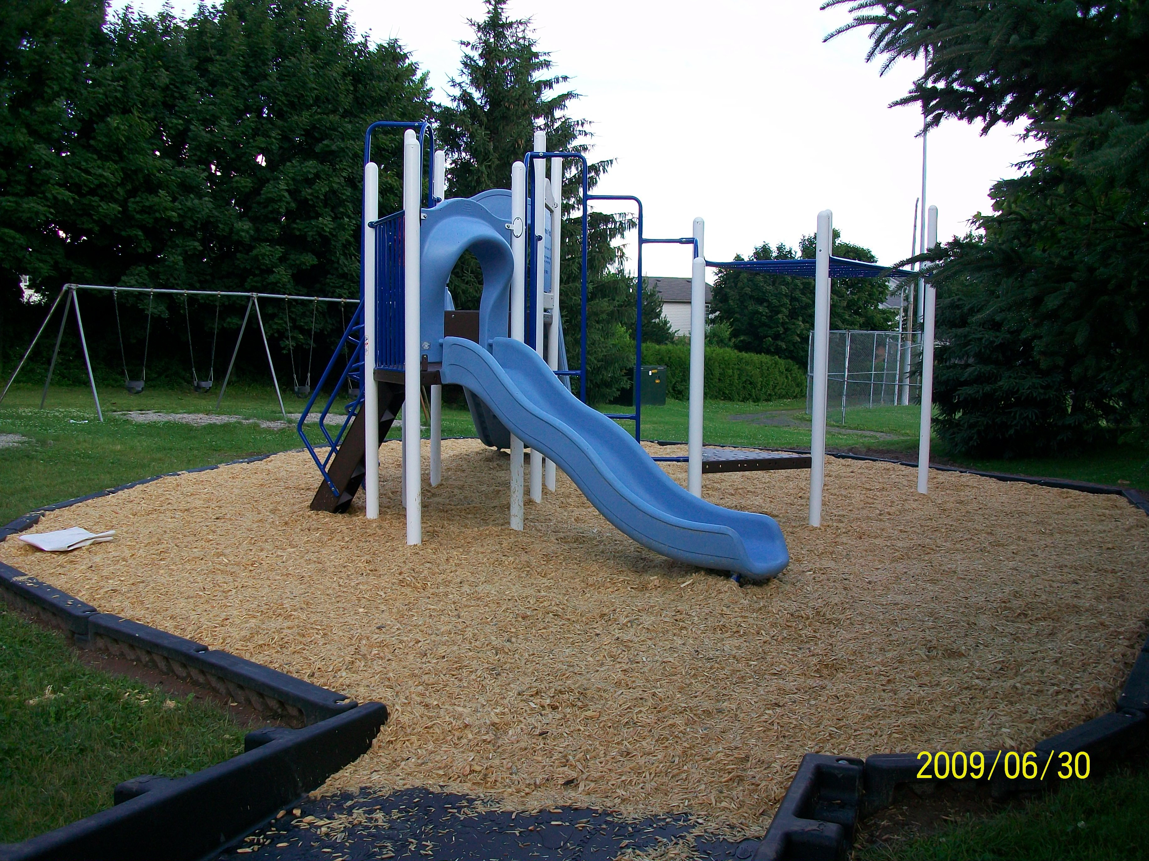 playground pics 2009 Sherwood2.jpg