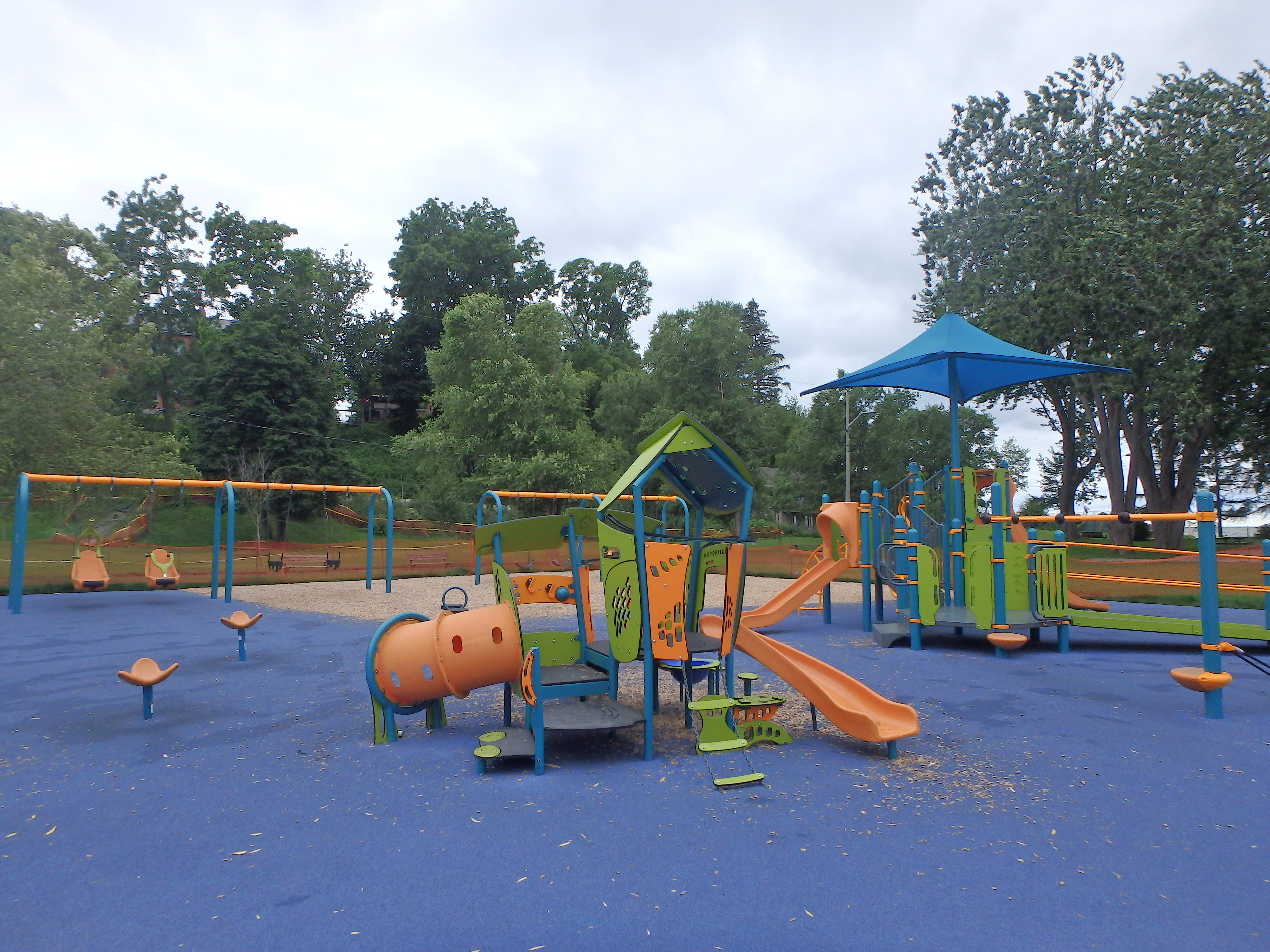 G:\!PARKS CEMETERIES FORESTRY AND HORTICULTURE\Parks-Inventory\Play-Equipment\Lakeside Park\Lakeside 2.JPG