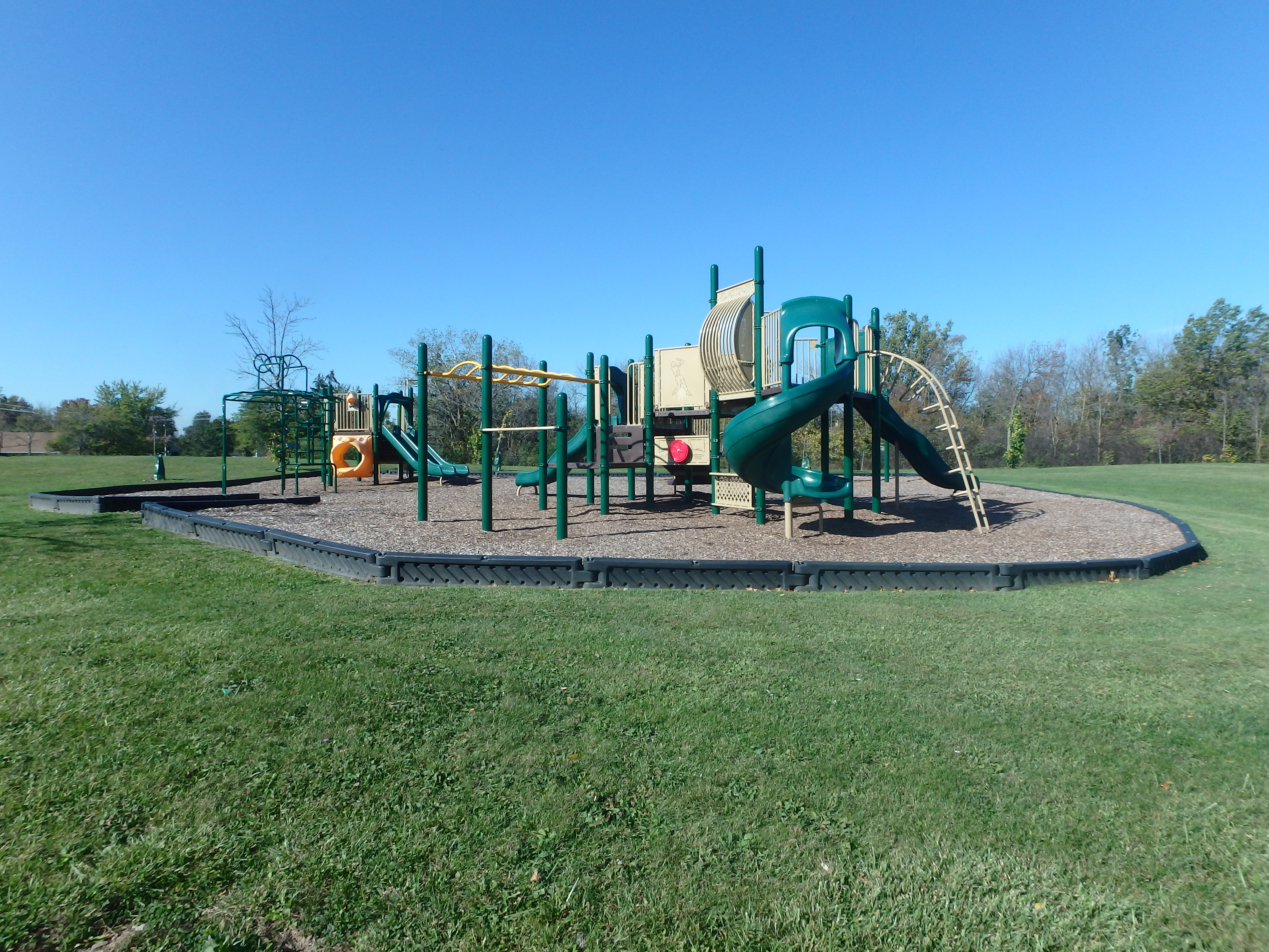 G:\!PARKS CEMETERIES FORESTRY AND HORTICULTURE\Parks-Inventory\Play-Equipment\Secord Woods Park\PA184252.JPG